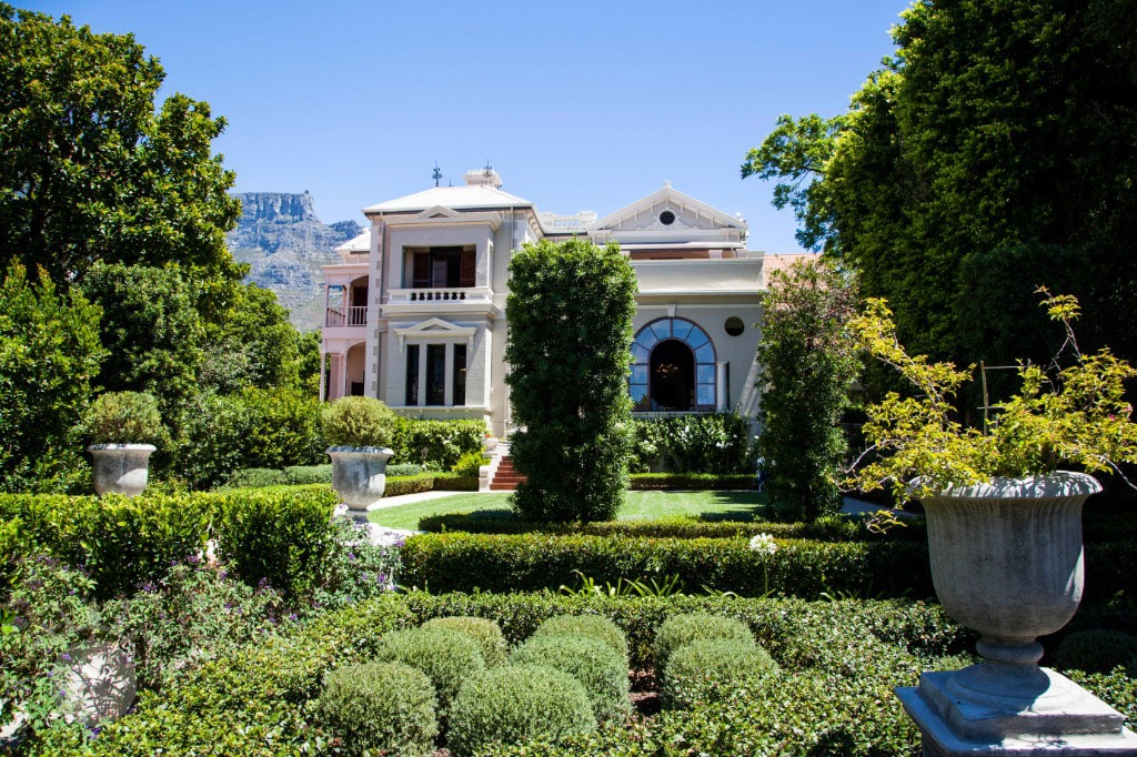 Heatherfield in Tamboerskloof in Cape Town with its structured and shaped garden avalable for still shoots