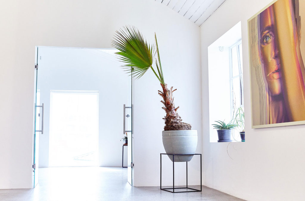 White Studio - Beautiful white studio perfect for film shoots and Stills photography