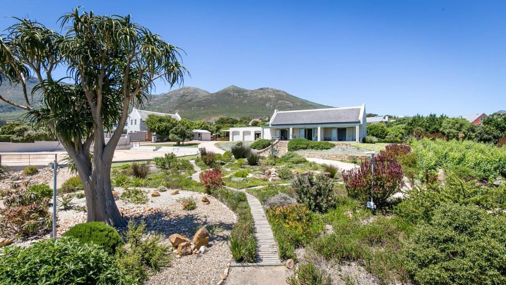 Bay View Cottage: Shoot My House Classic Location Noordhoek Cape Town