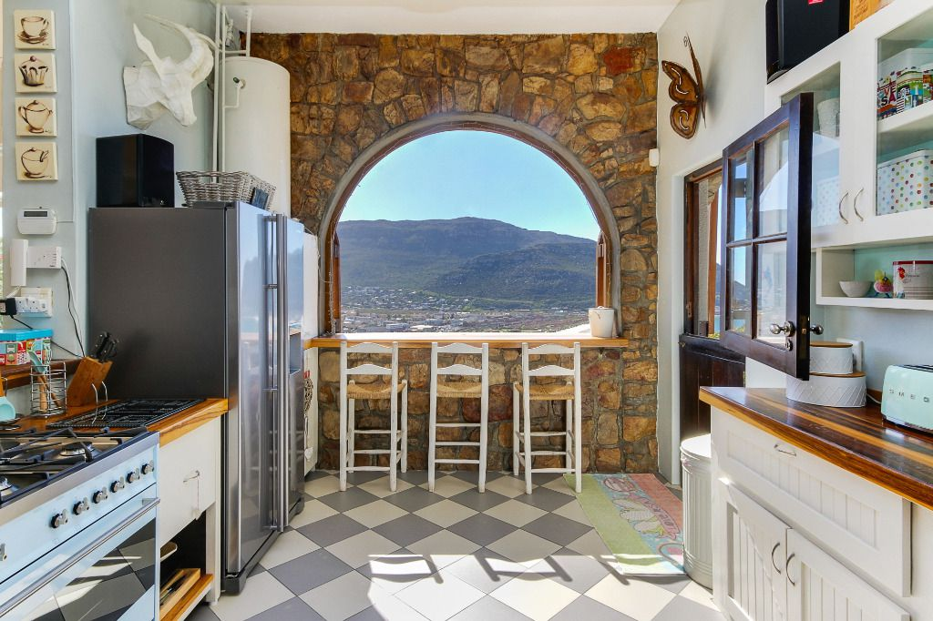 Beautiful Creatures: Shoot My House Classic Location Fishoek Cape Town