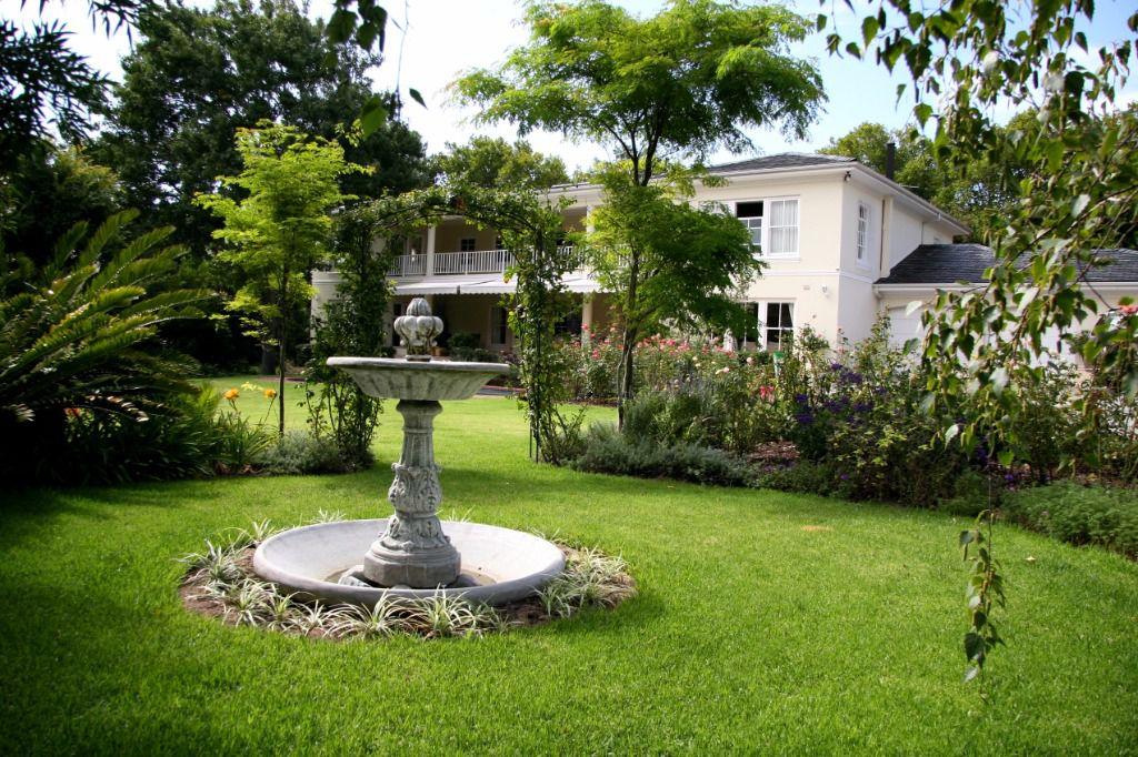 Bradgate: Shoot My House Classic Gardens Family Home Location Constantia Cape Town
