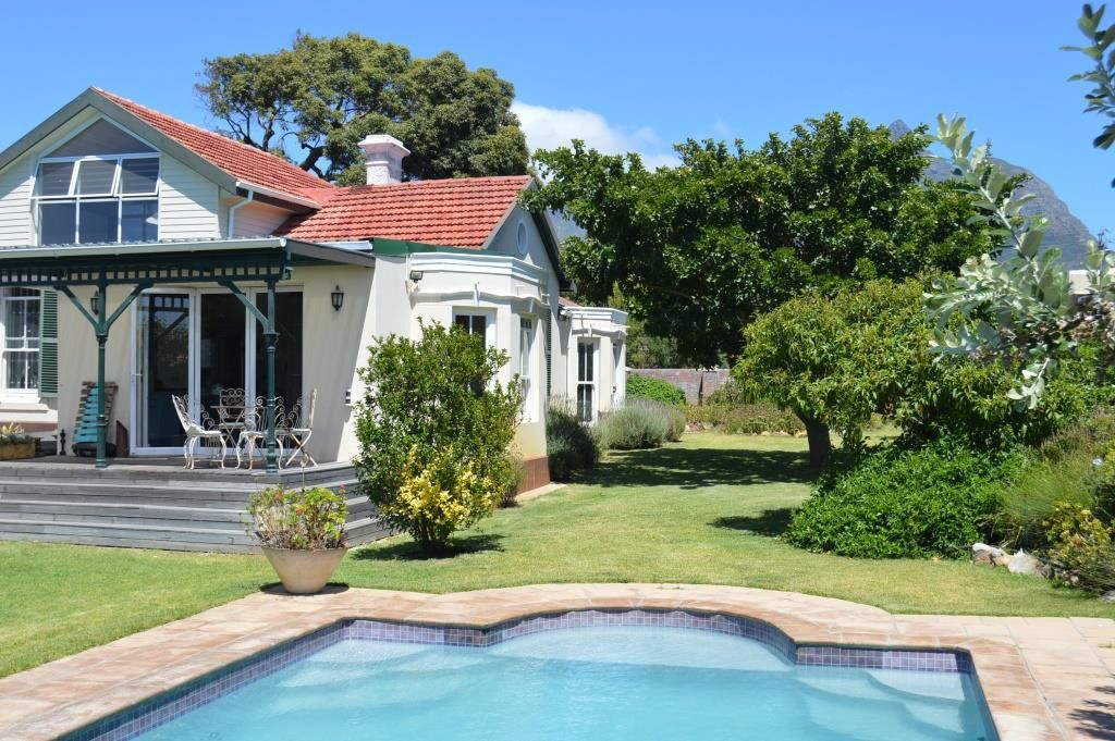 Heritage Home: Shoot My House Classic Garden Location Rondebosch Cape Town