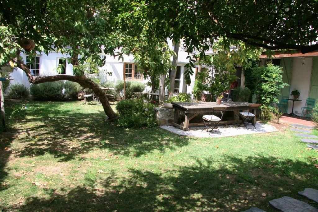 La Grenadine: Shoot My House Classic Location Gardens Cape Town