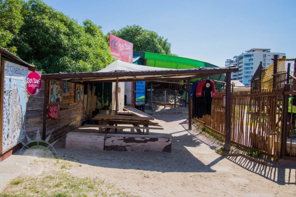 Son Surf School: Shoot My House Beach Location Strand