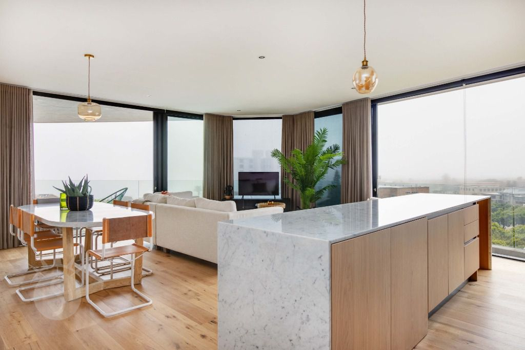 The Glengariff 503: Shoot My House City Apartment Sea Point Cape Town