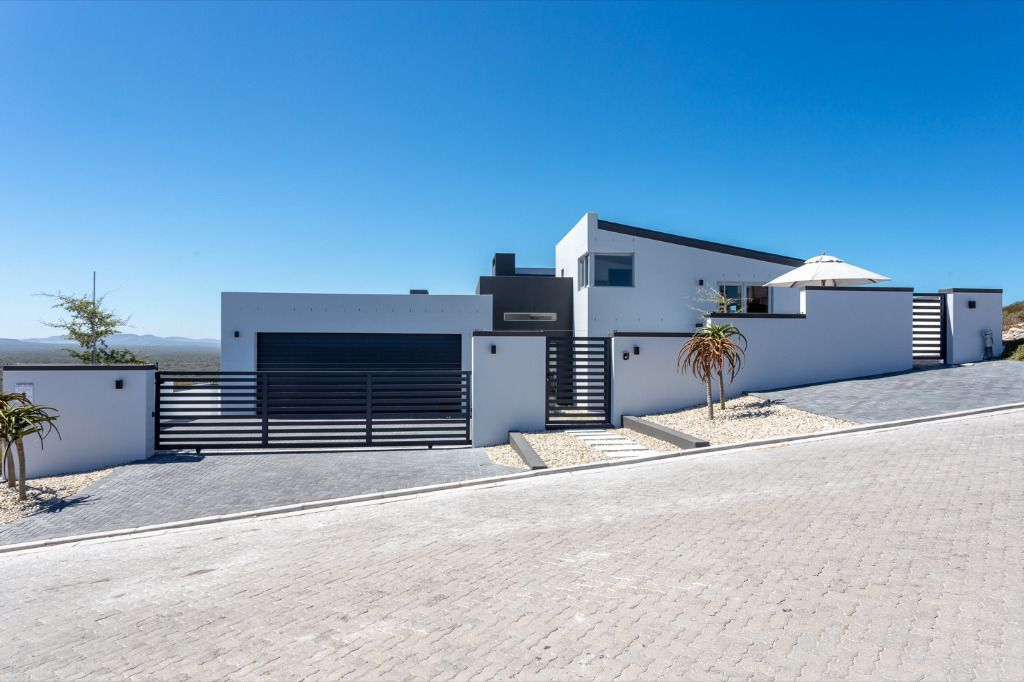 Tranquility: Shoot My House Contemporary Beach Location Yzerfontein