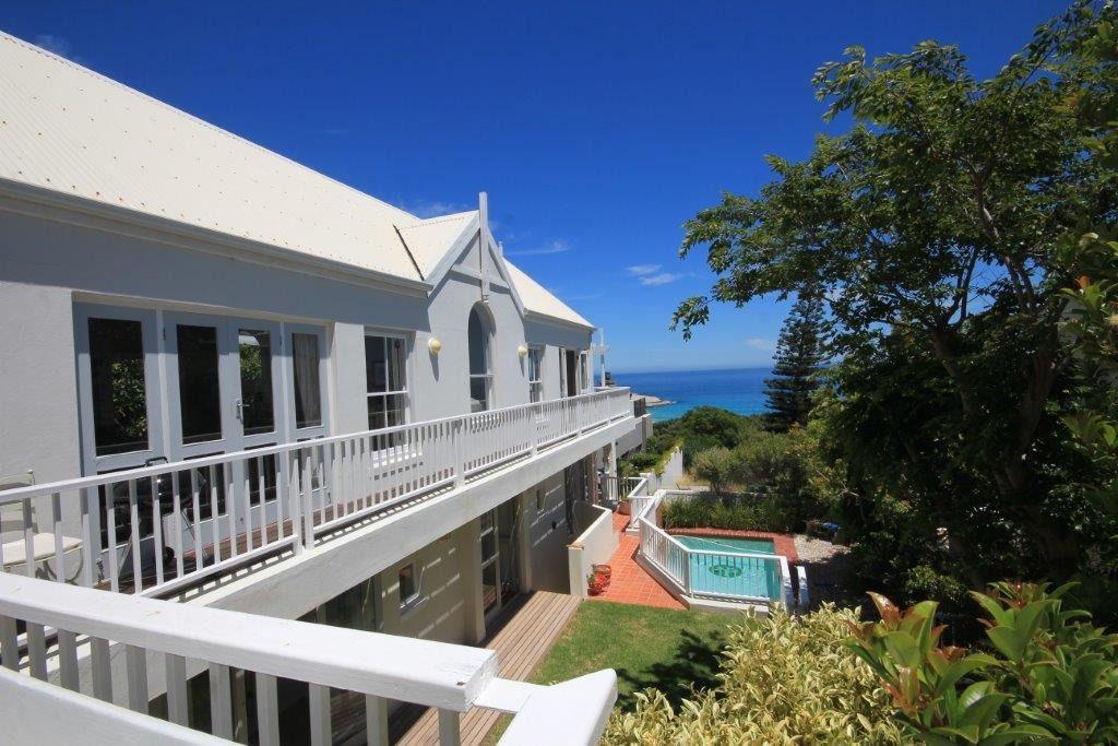 Two Berry House: Shoot My House Beach Villa Llandudno Cape Town