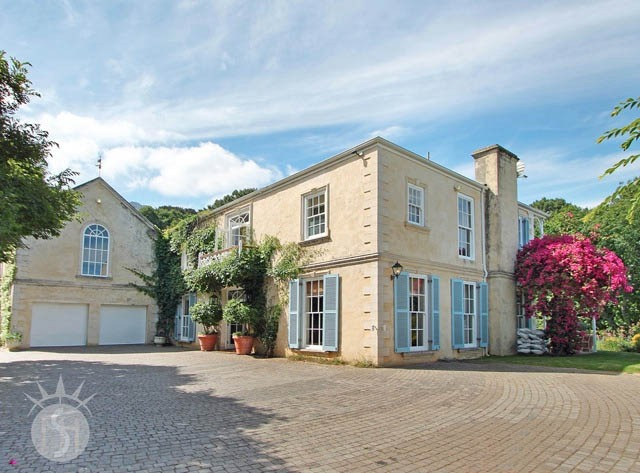 Malbrook; Shoot My House Classic Gardens Location Constantia Cape Town