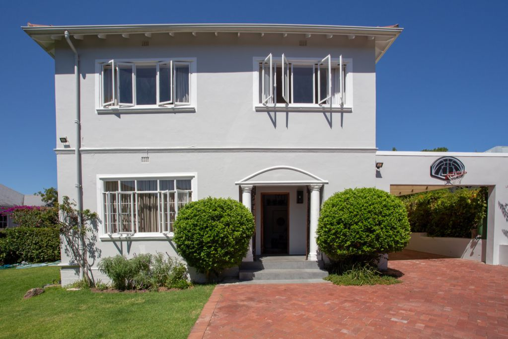 Mr And Mrs Smith: Shoot My House Classic Location Rosebank Cape Town