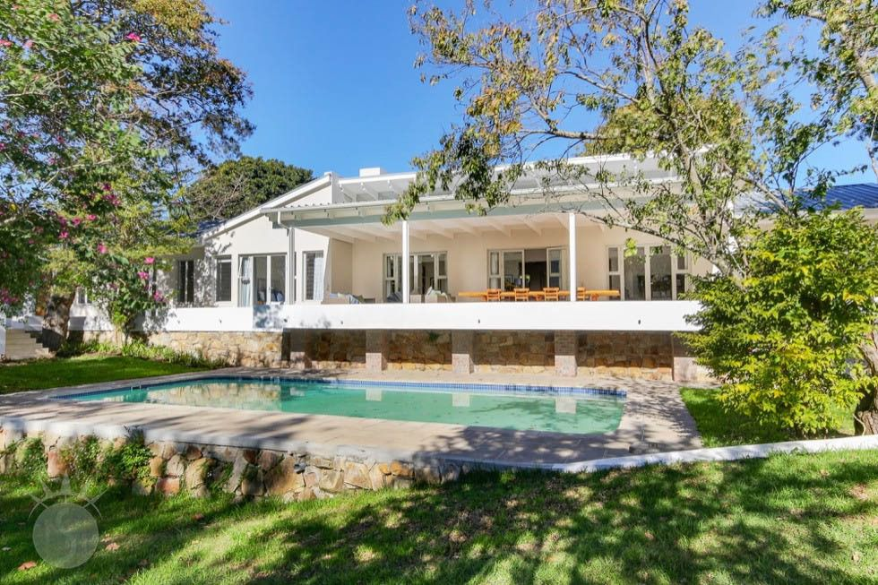 Oak Hollow: Shoot My House Gardens Location Constantia Cape Town