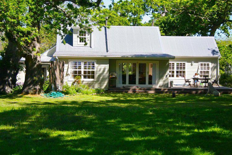 Shady Oaks: Shoot My House Farms Gardens Location Noordhoek Cape Town