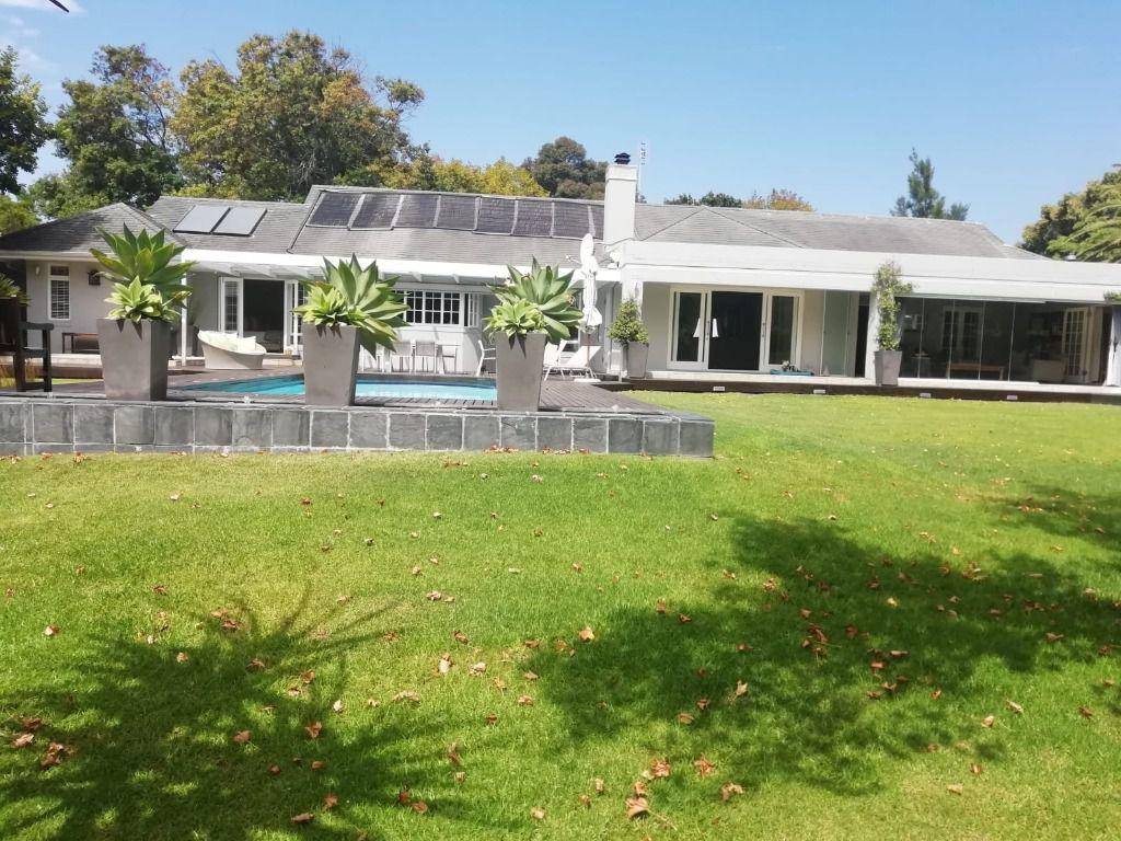 Spotlight: Shoot My House Contemporary Family Home Constantia Cape Town