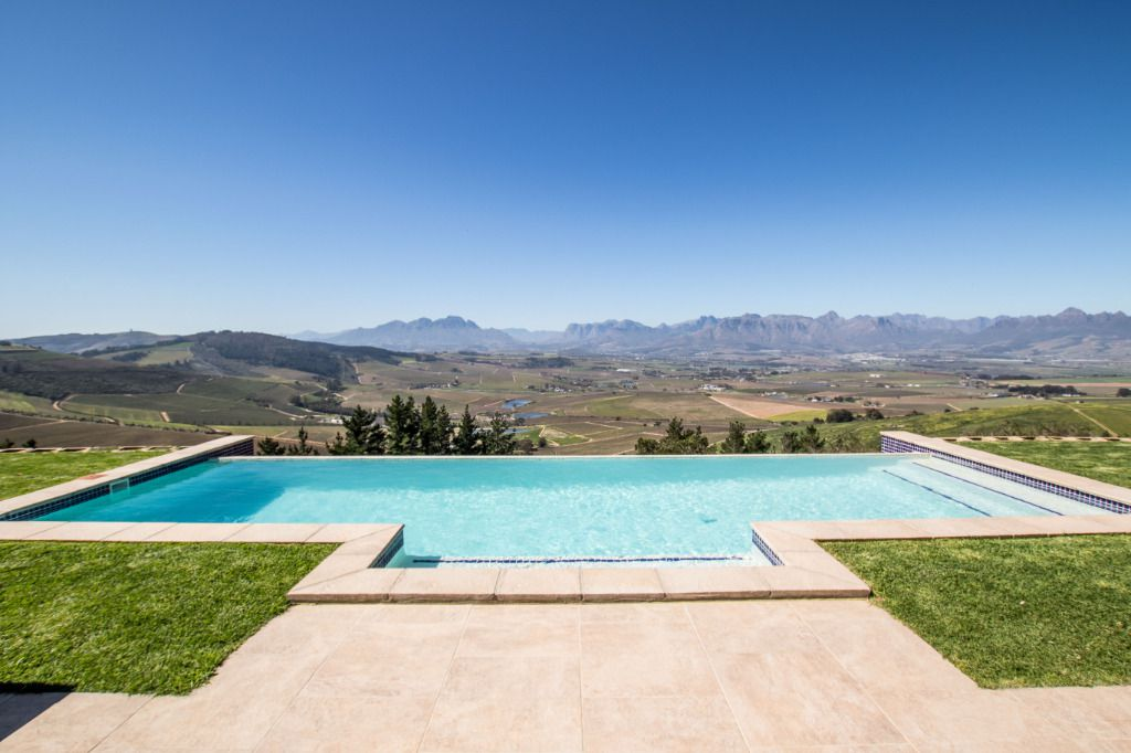 Stirling: Shoot My House Modern Farm Location Stellenbosch