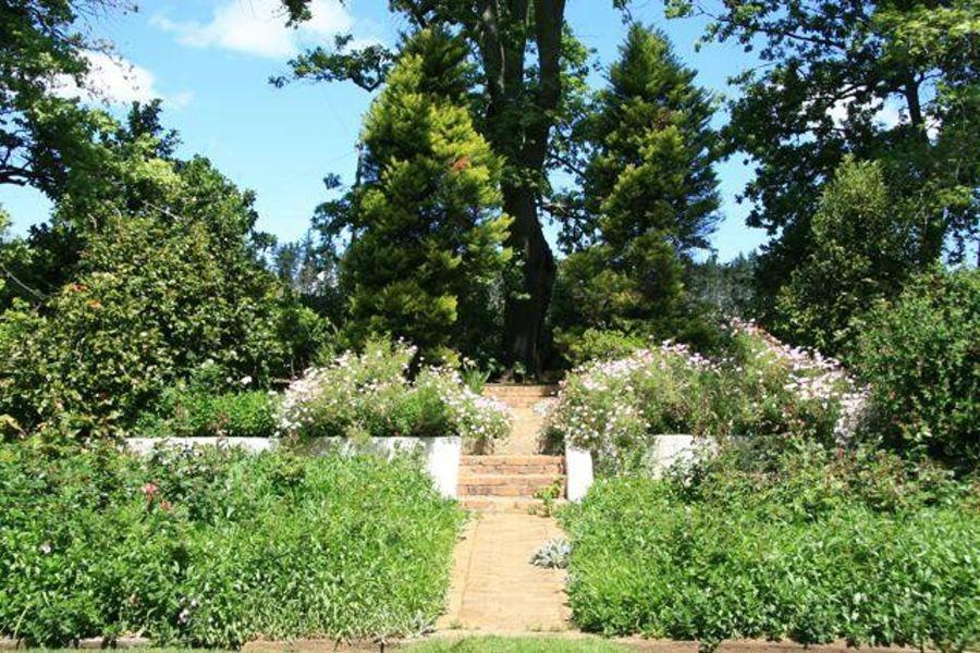 Midnight in the Garden, Navarre, a Farm film location in Somerset West.