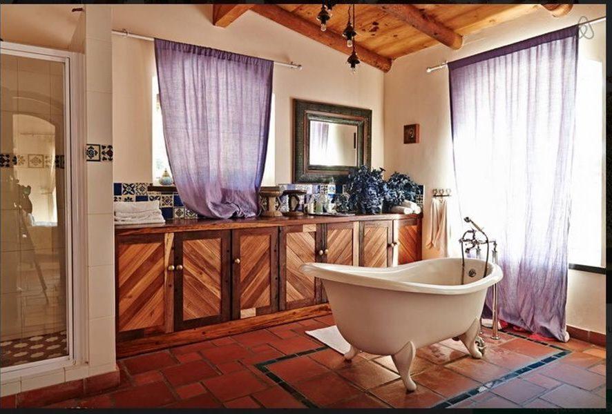Classic spacious bathroom at Hacienda Noordhoek Cape Town