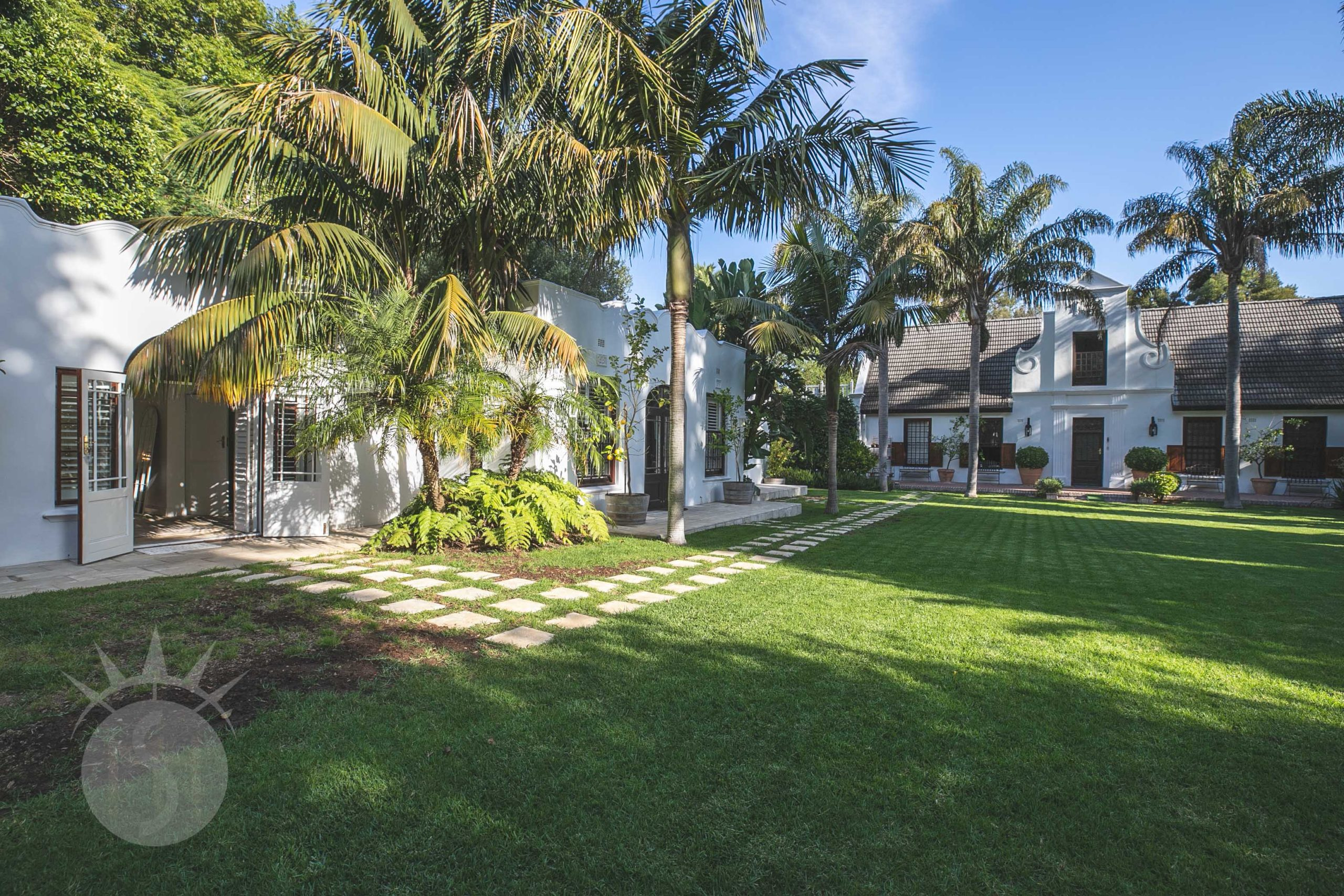 White Manor: Farm in Constantia for Film and Photo shoots.
